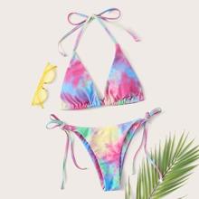 Dreieckiger Bikini mit Batik, Neckholder und seitlichem Band