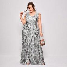 Maxi Kleid mit Blatt Stickereien, Netzstoff und Kontrast Pailletten