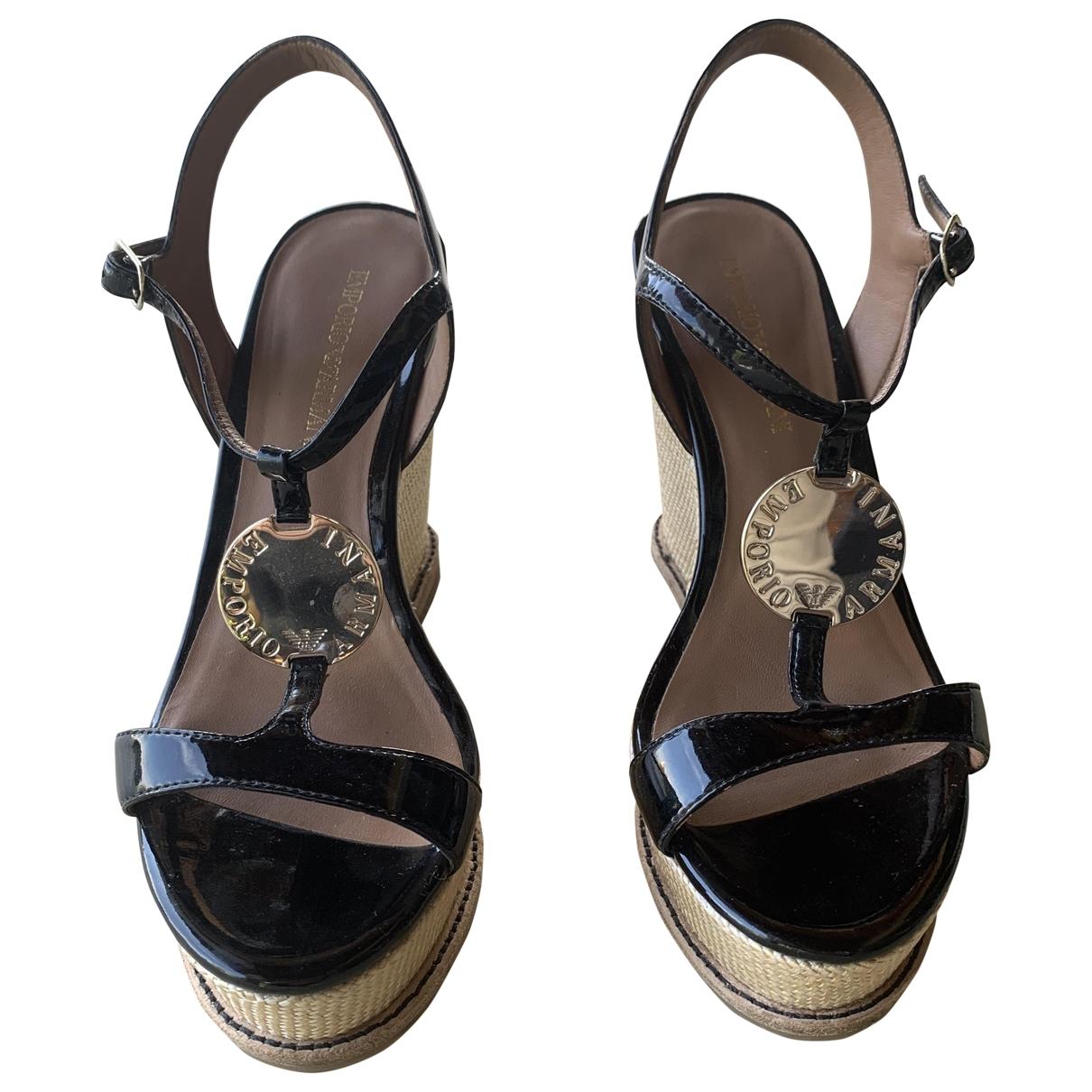 Emporio Armani - Sandales   pour femme en cuir verni - noir