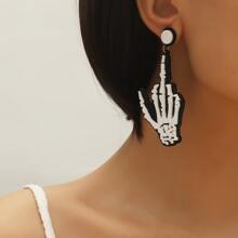 Ohrringe mit Halloween Schaedel und Hand Dekor