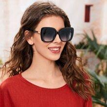 Sonnenbrille mit Farbverlauf aus Acrylrahmen