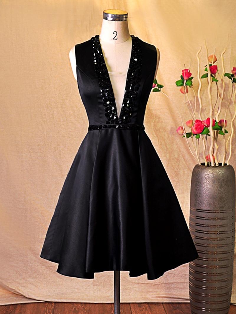 Ericdress Deep-V Neck Beaded Short Cocktail Dress