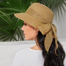 Sombrero de paja con diseño de lazo