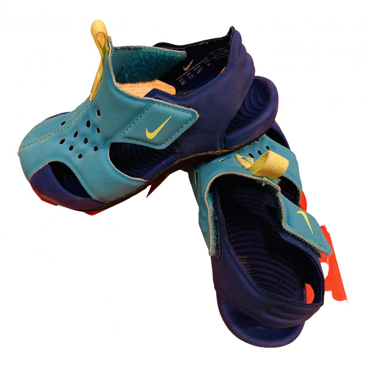 Nike \N Sneakers in  Blau Lackleder