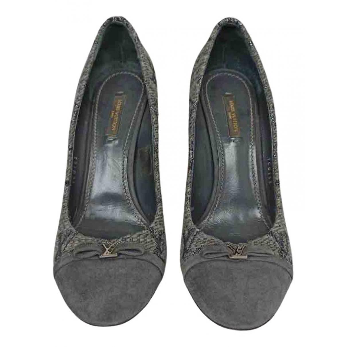 Louis Vuitton N Grey Cloth Heels for Women 39 EU