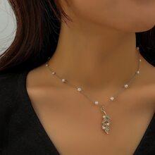 Collar colgante de hoja con perla artificial