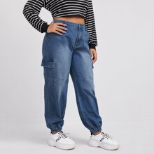 Cargo Jeans mit seitlichen Taschen Klappen und Bleichen Waesche