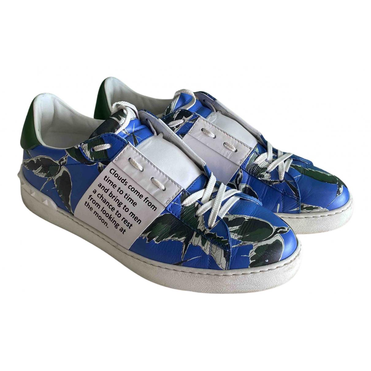 Valentino Garavani Rockstud Sneakers in  Blau Leder