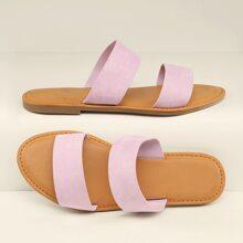 Sandalen mit Doppel Baenden und offener Zehenpartie