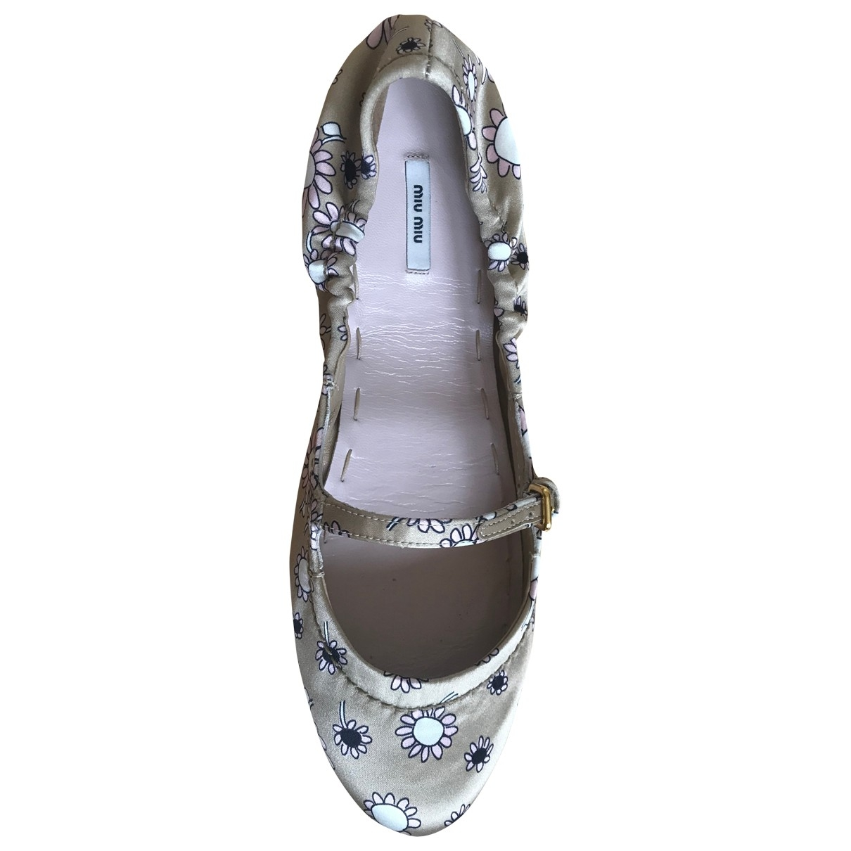 Miu Miu \N Beige Cloth Ballet flats for Women 36 EU