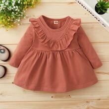 Einfarbiges Kleid mit Rueschenbesatz