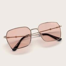 Gafas de sol cuadradas de marco metalico