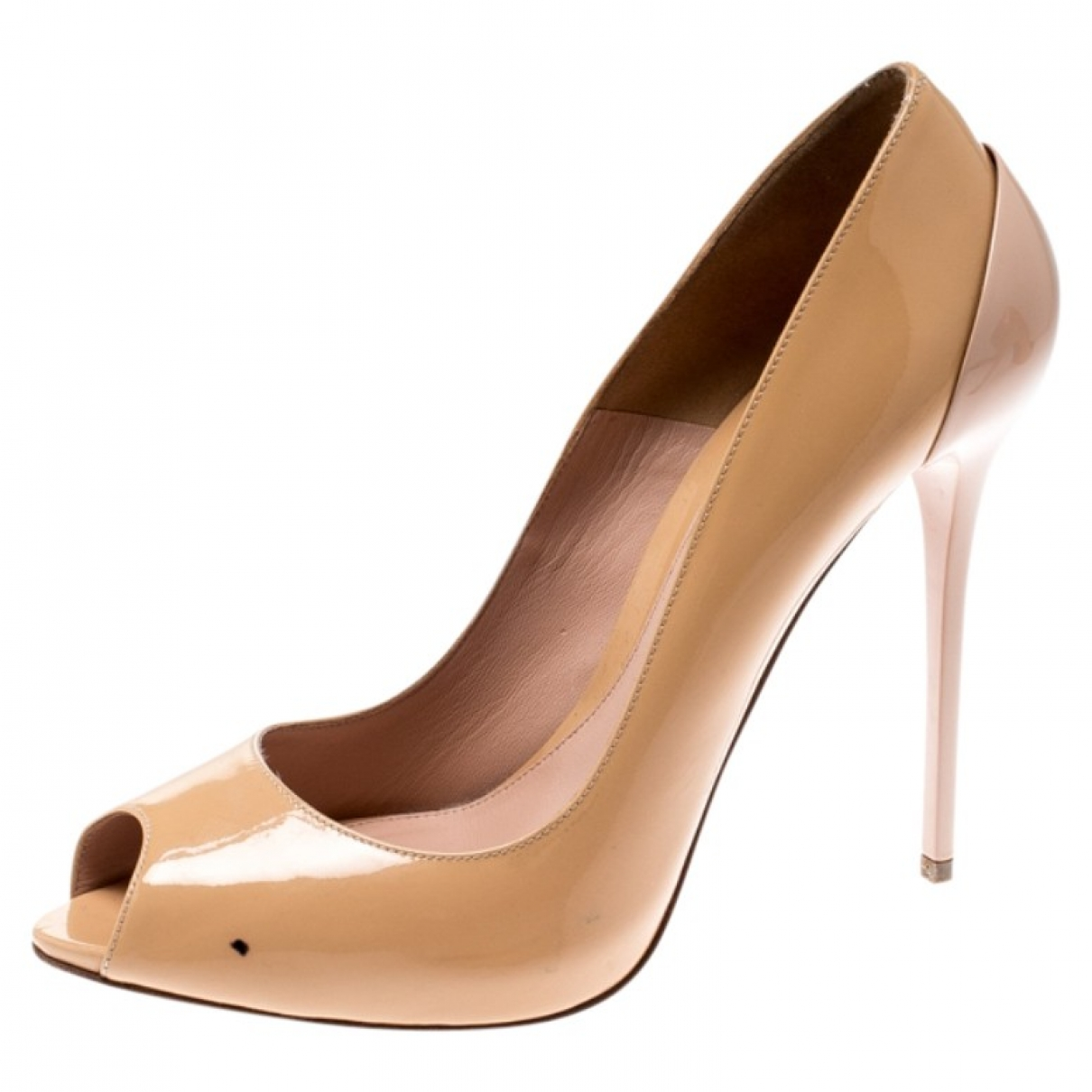 Alexander Mcqueen \N Beige Patent leather Heels for Women 38 EU