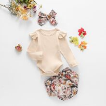 Strick T-Shirt Body mit Ruesche & Shorts mit Blumen Muster & Haarband