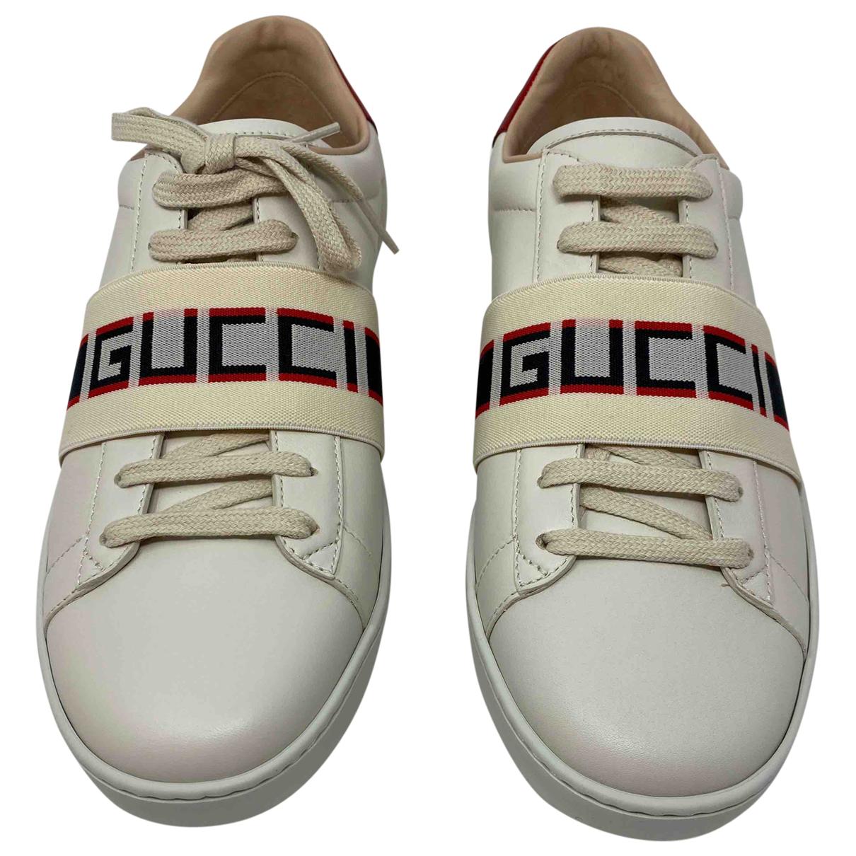 Gucci \N Sneakers in Leder