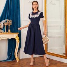 Kleid mit Kontrast Spitze Detail, Raffung und Manschetten
