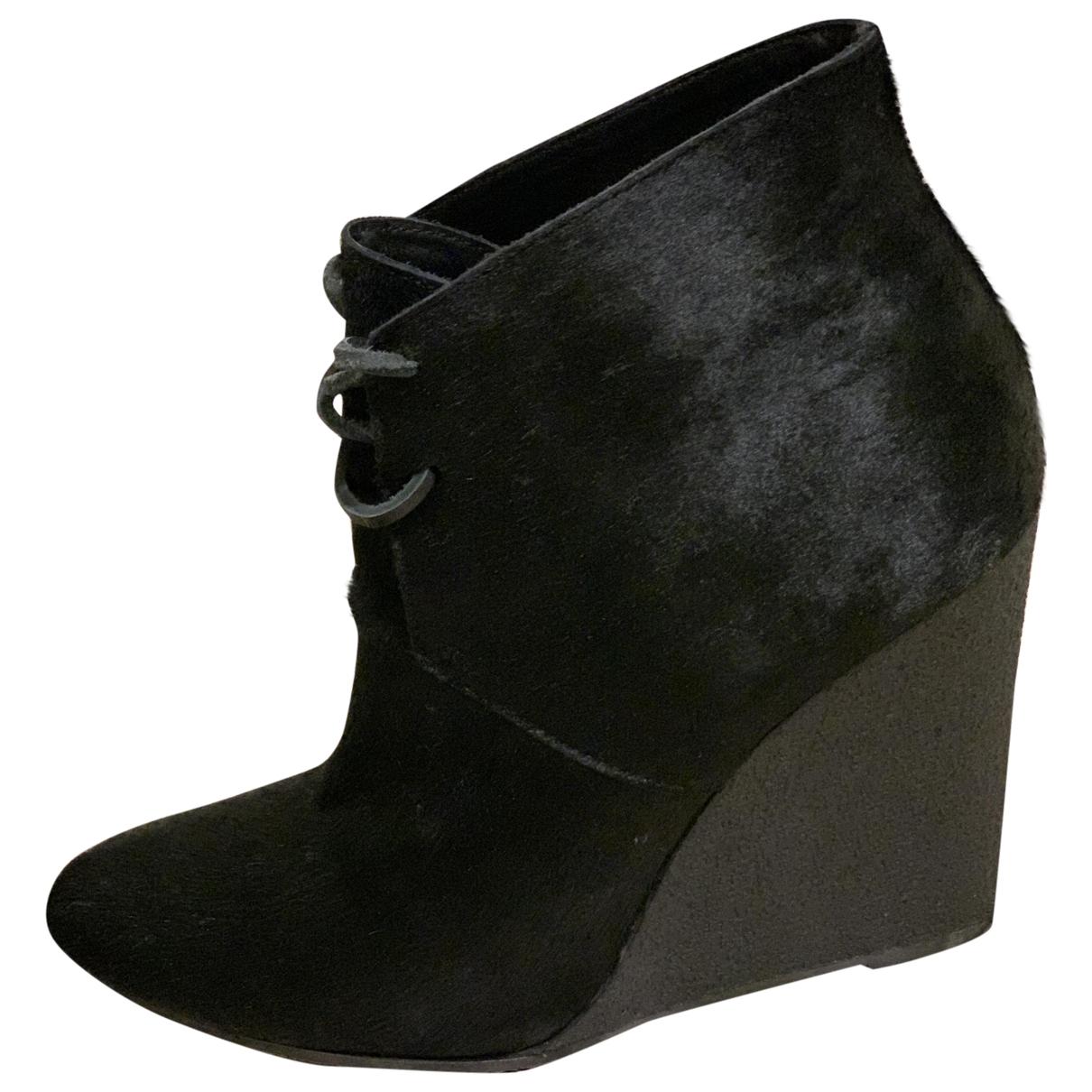 Burberry - Boots   pour femme en veau facon poulain - noir