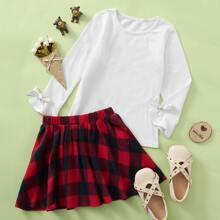 T-Shirt mit Schleife & Rock mit Karo Muster