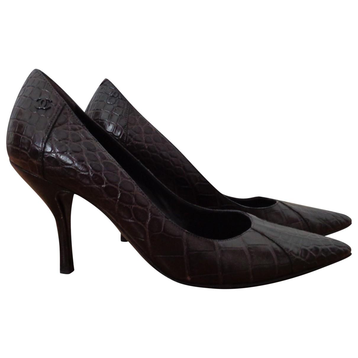 Chanel - Escarpins   pour femme en crocodile - marron