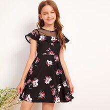 Maedchen A Linie Kleid mit Raffung und Blumen