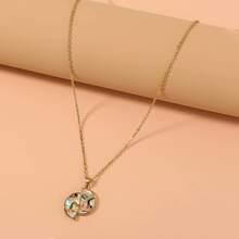 Halskette mit Schale Dekor