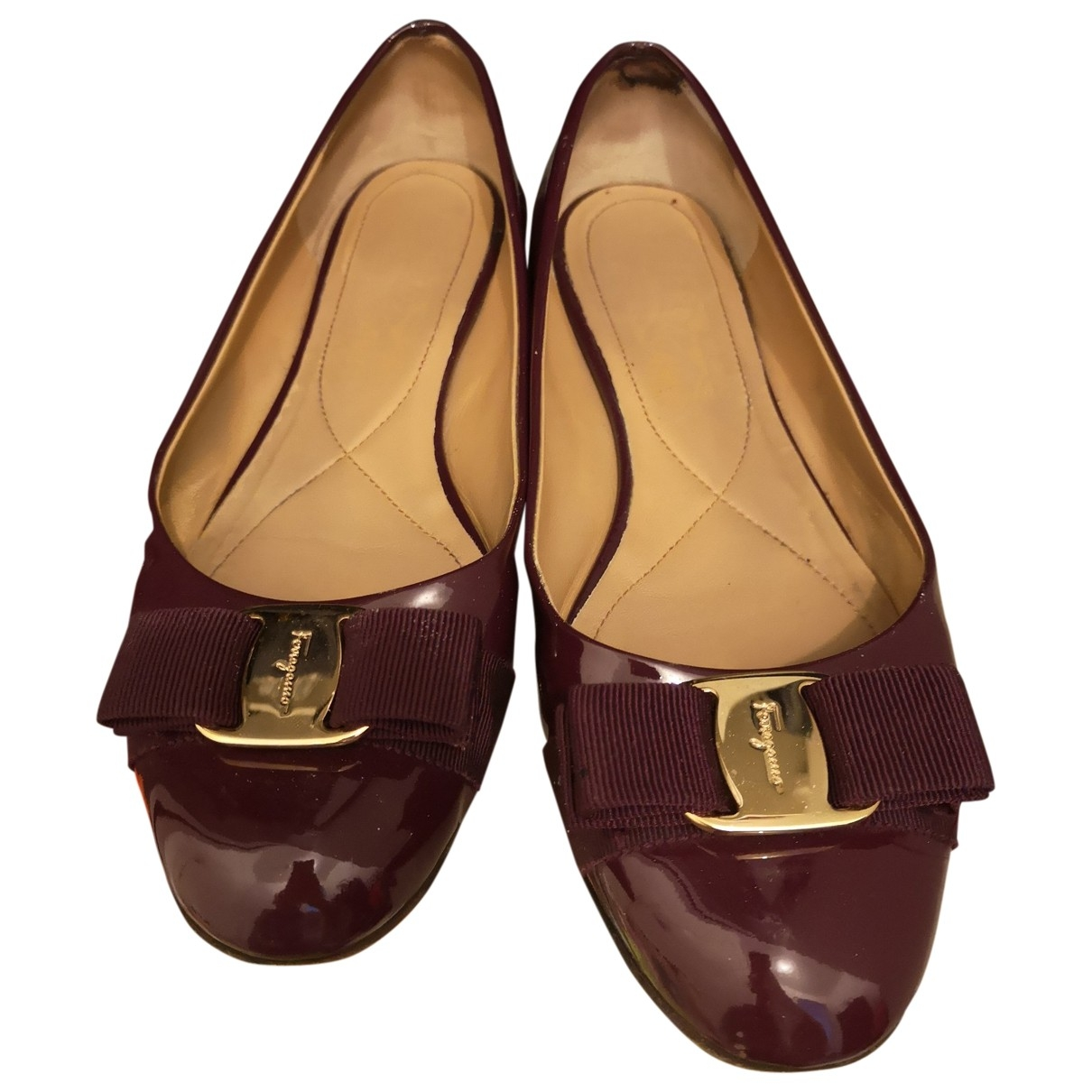 Salvatore Ferragamo \N Burgundy Patent leather Ballet flats for Women 7.5 UK