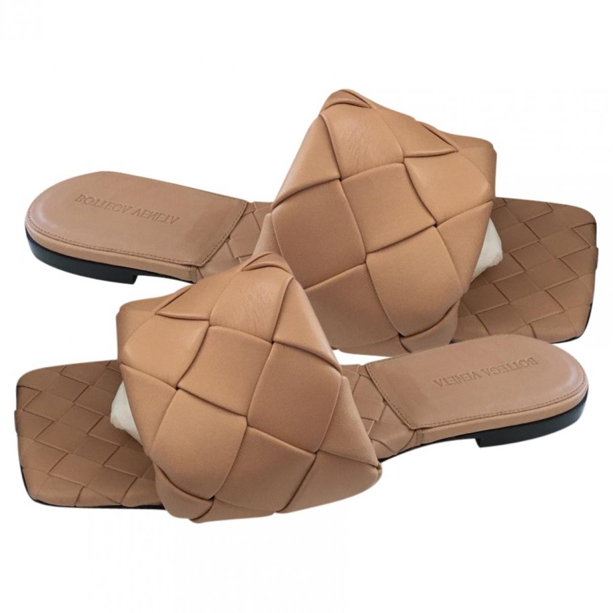 Bottega Veneta - Sandales BV Lido pour femme en cuir - camel