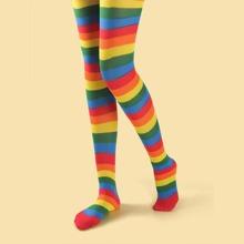 Medias con patron de rayas de arcoiris
