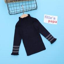 Pullover mit Streifen und Schosschenaermeln