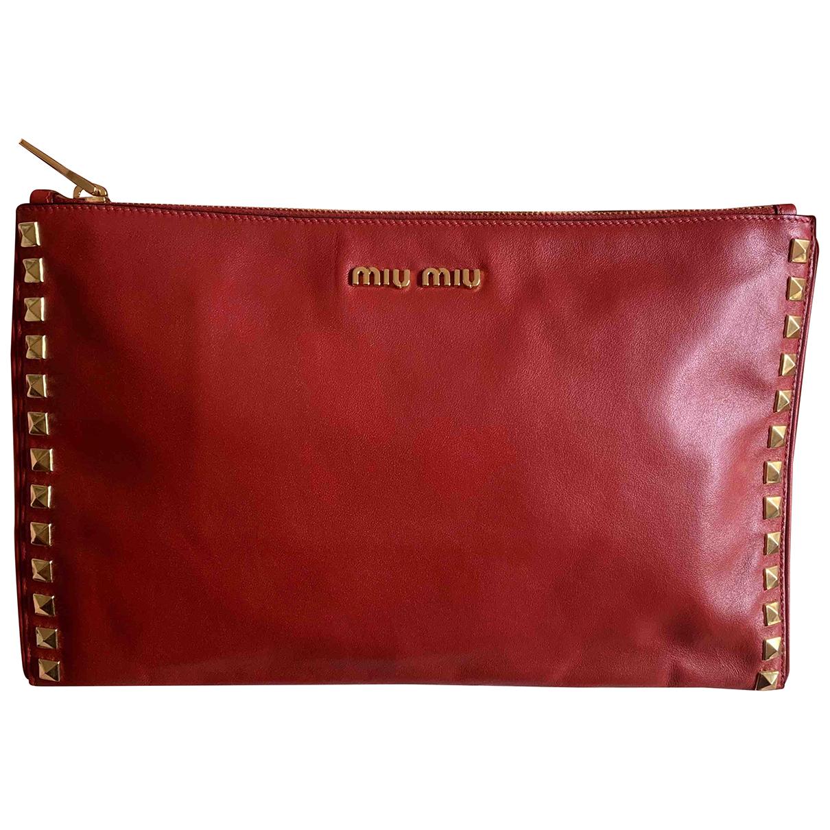 Miu Miu \N Clutch in  Rot Leder