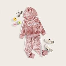 Kleinkind Maedchen Samt Kapuzenpullover mit seitlichem Streifen und Jogginghose