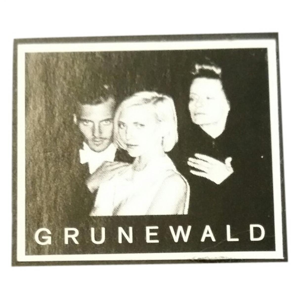 Karl Lagerfeld - Photographie   pour lifestyle en bois - noir
