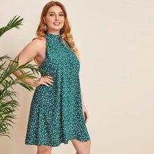 Grosse Grossen - Kleid mit Band hinten und Bluemchen Muster