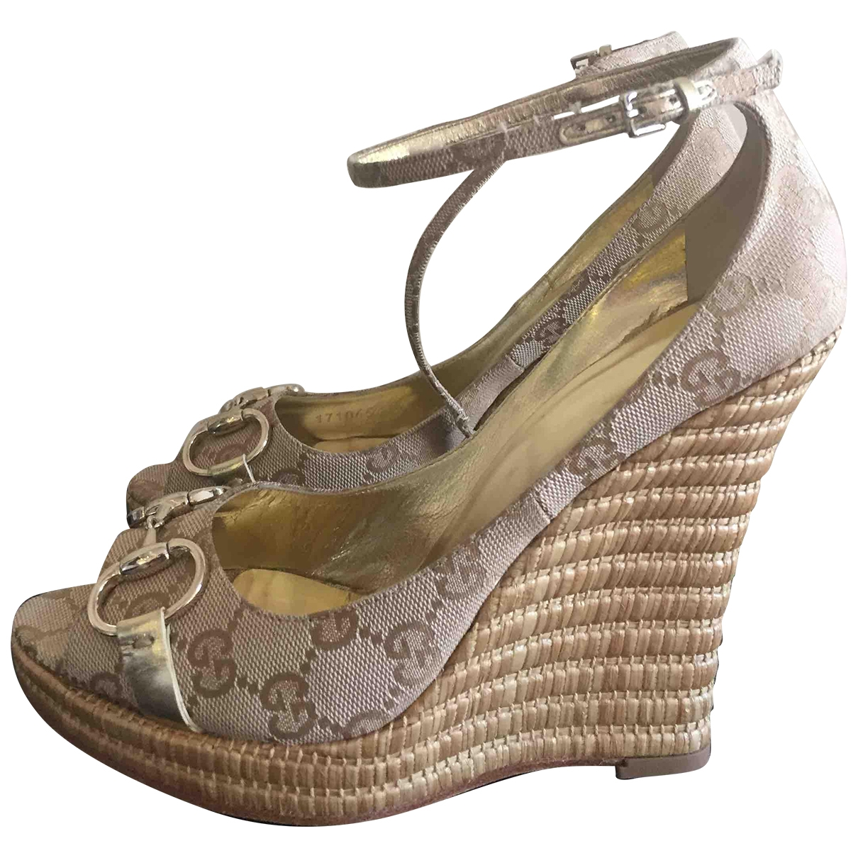 Gucci \N Pumps in  Beige Leinen