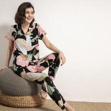 Conjunto de pijama con boton con estampado floral