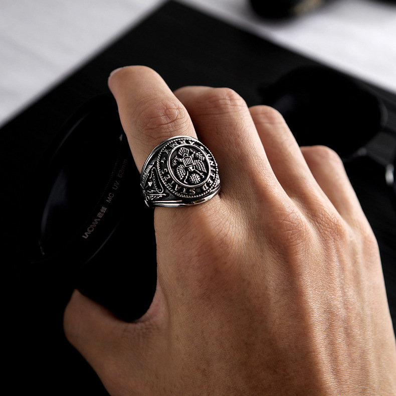 Vintage Titanium Steel Men's Ring Geometric Round Stereoscopic Eagle Finger Ring Punk Jewelry