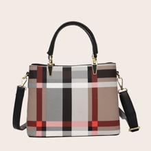 Tasche mit Karo Muster und Farbblock