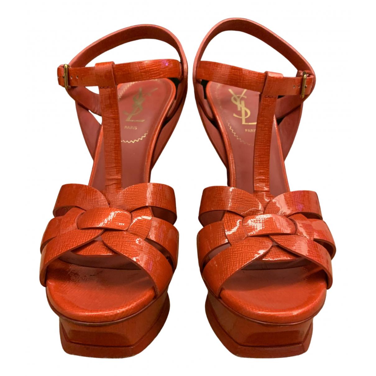 Yves Saint Laurent - Sandales Tribute pour femme en cuir verni - rouge