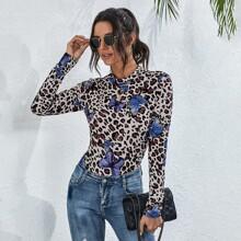 Body camiseta con estampado de leopardo y mariposa