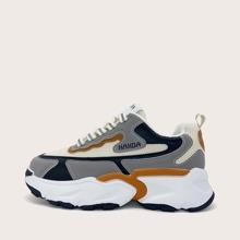 Sneakers mit Band vorn und Netzeinsatz