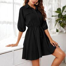 Kleid mit Knopfen vorn und Kordelzug auf Taille