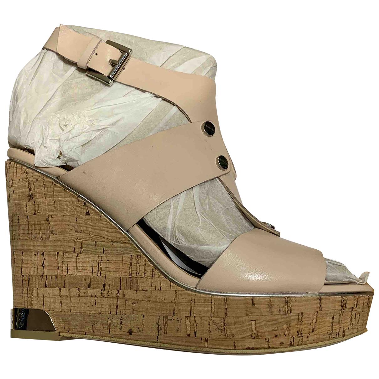 Guess \N Sandalen in  Beige Leder