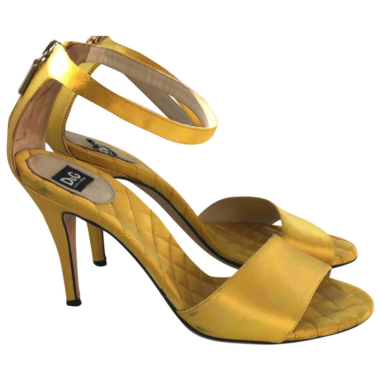 D&g \N Pumps in  Gelb Leder