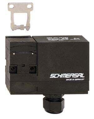 Schmersal AZM 170 Solenoid Interlock Switch Power to Lock 24 V ac/dc