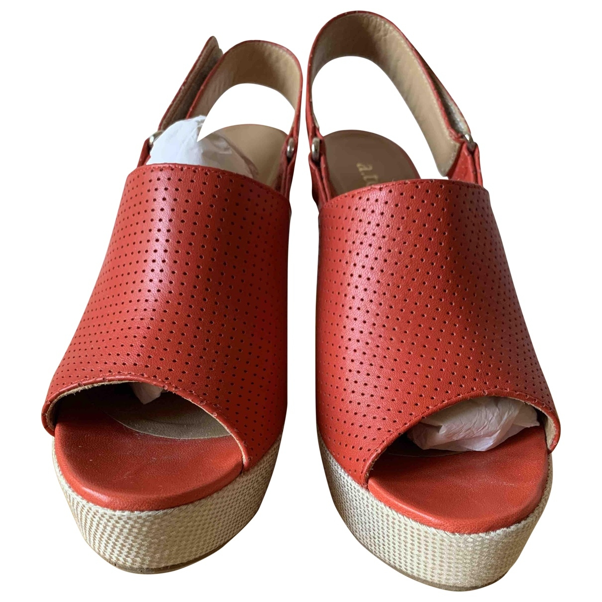 A. Testoni \N Sandalen in  Rot Leder