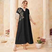 Vestido tunico fruncido en contraste con bordado floral