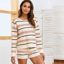 Pullover mit Streifen und Farbblock & Shorts mit Kordelzug um die Taille Set