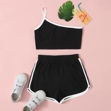 Crop Top mit einer Schulter  & Delphin Shorts Set