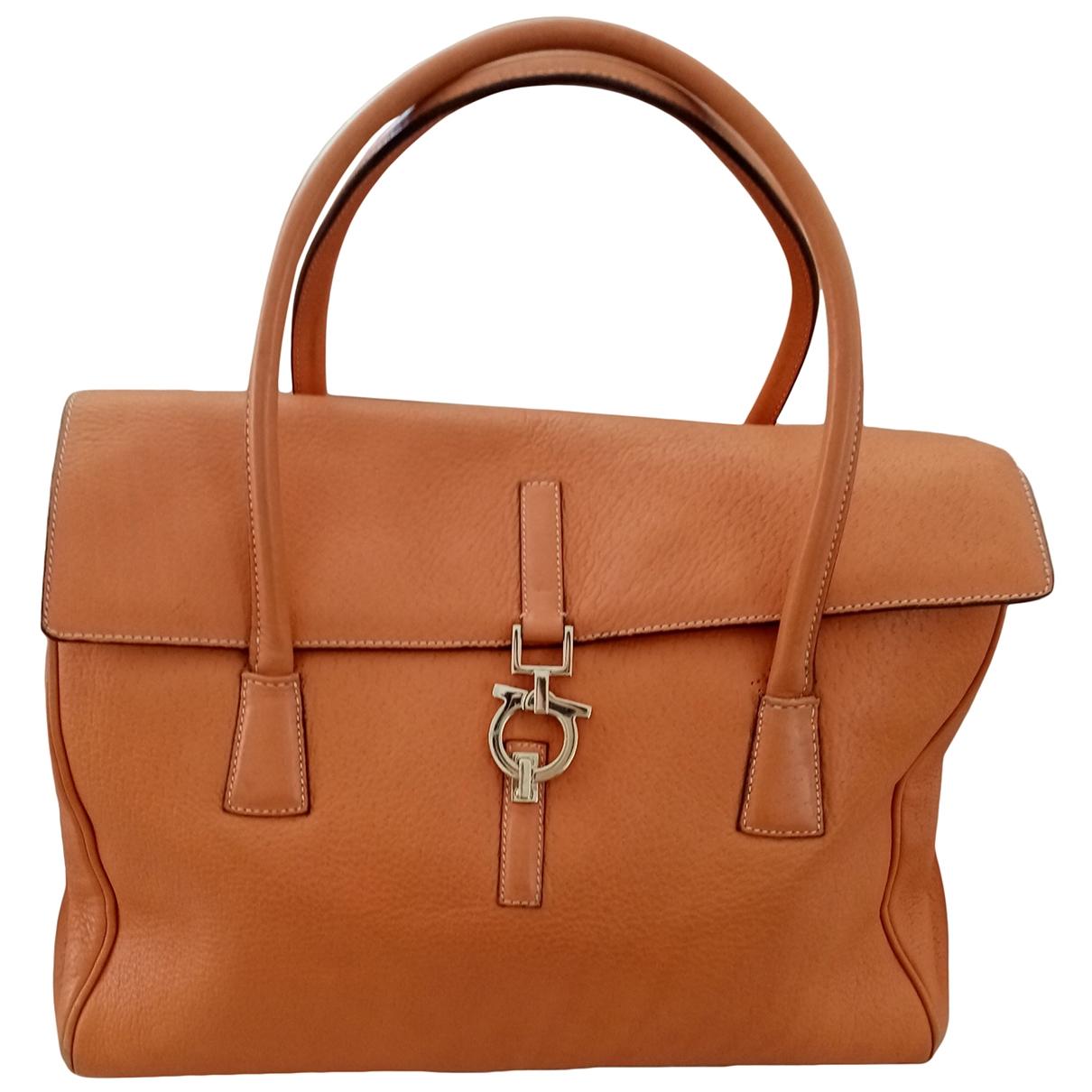 Salvatore Ferragamo \N Orange Leather handbag for Women \N