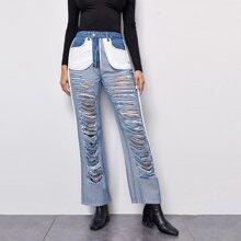Zweifarbige Jeans mit Riss Detail